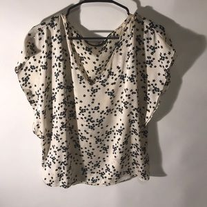 Zara star blouse with flutter sleeves size small